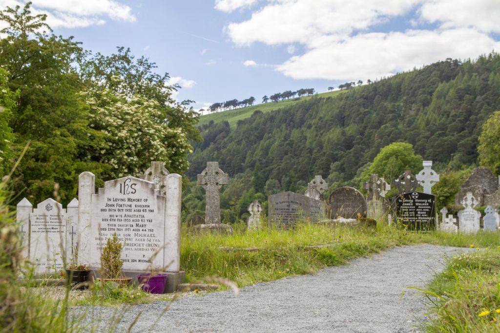 Tombes à Glendalough