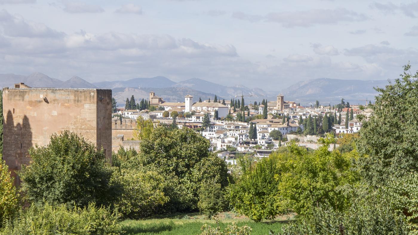 Vue sur l'Albaycín depuis les jardins de Generalife